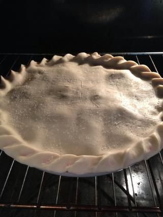 Coloque en el horno durante 10-12 minutos. Asegúrese de que los bordes no se quemen!