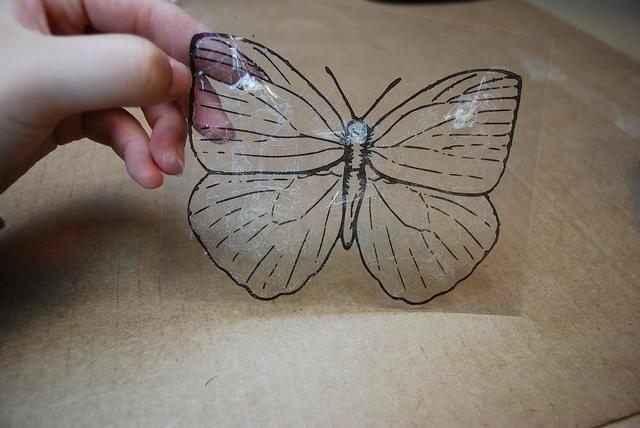Aquí hay una mejor vista. La cinta más desordenado o más que usted pone en su mariposa, mientras más colores que usted verá.