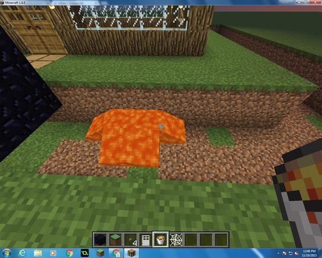 Ahora empezar a poner el su bloque de lava de un todo alrededor de la casa en el agujero.