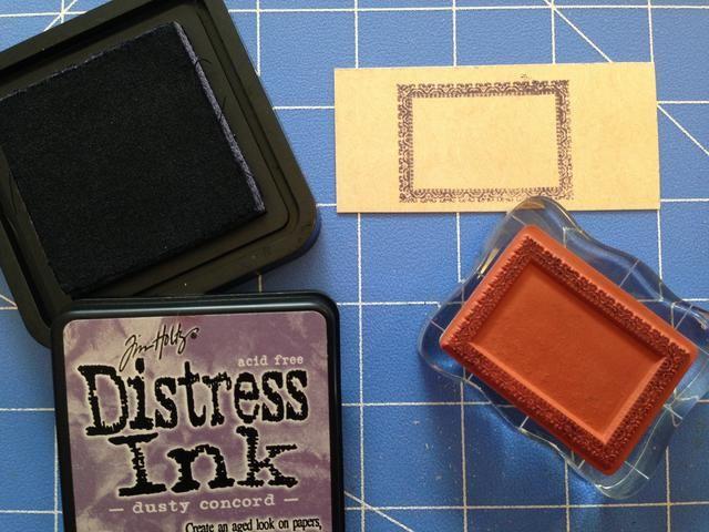 Con Dusty Concord Tinta Distress, estampar un rectángulo con la / Hampton Artes sello conjunto Gráfico 45.