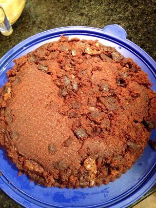 Cubra con el resto del brownie