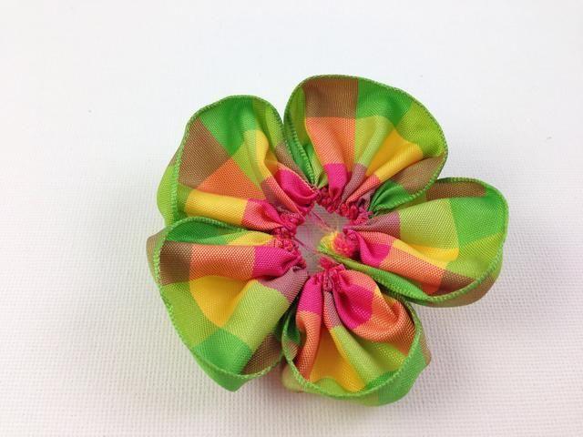 Voila Tiene una flor, ahora hacer otro más pequeño.