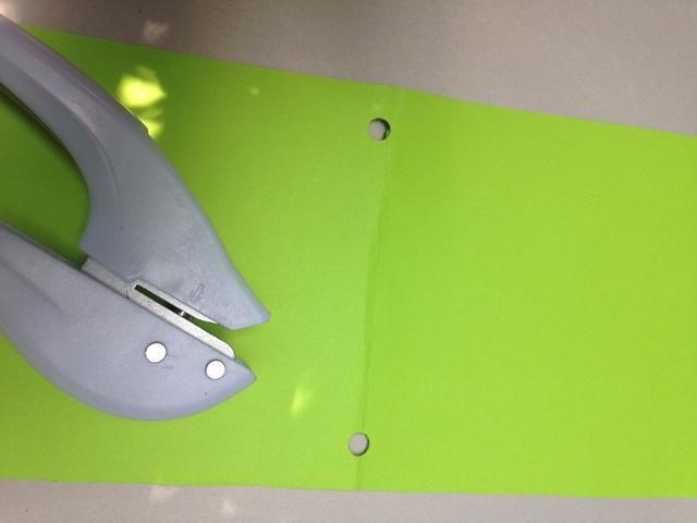 Perforar agujeros en tapa de la cubierta.