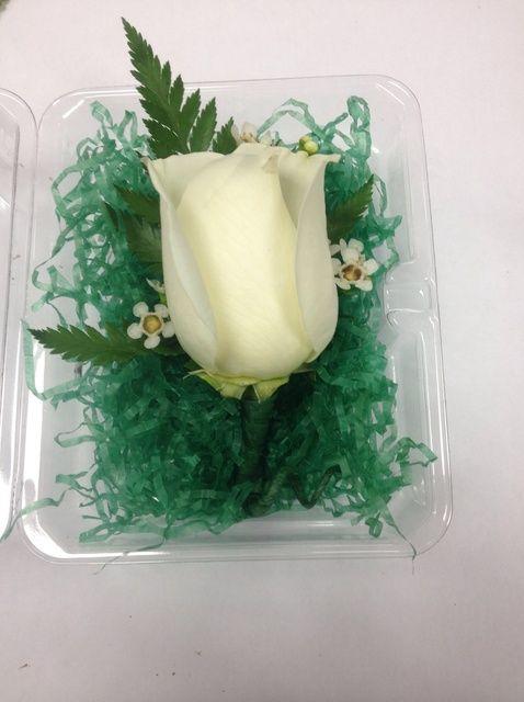 Cómo hacer una flor Boutonniere Individual
