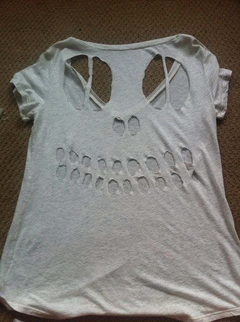 Cómo hacer un cráneo Cut Camiseta