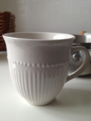 Añadir alrededor de 1 - 1 1/2 taza de agua a la mezcla en la cacerola.