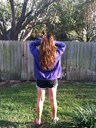 ahora un paso atrás y ver su cabello llegar de forma natural más larga y saludable :)