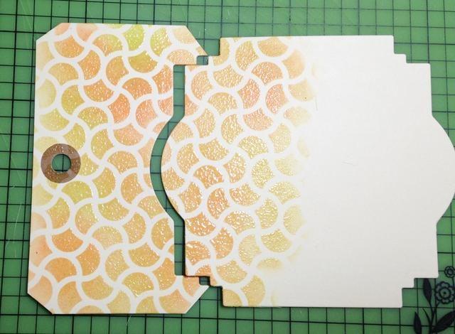 utilizar la parte superior y la etiqueta troquelada para crear escena estampado para la tarjeta - reserva porción restante de la etiqueta que se utilizará para el sentimiento