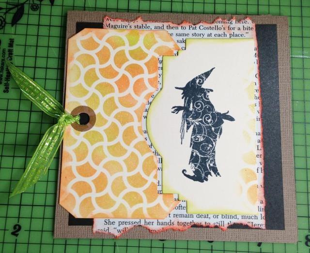 porción bruja tinta usando Lemongrass Pigmento de tinta y se adhieren a frente de la tarjeta cerca de 1/8