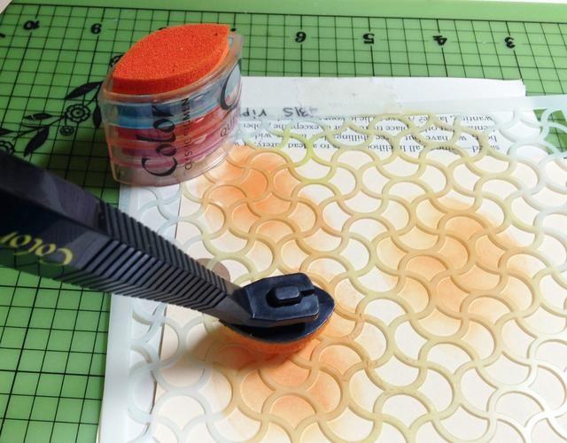 porciones de tinta de la etiqueta usando Mango Tango Pigmento Tinta
