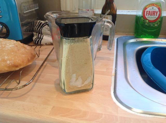 Siempre pongo cualquier mezcla crumble de sobra en un frasco de café herméticas. Ello'll keep for a few days and you can make another crumble later on :)