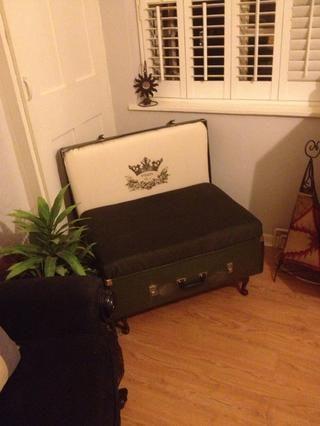 Casi hecho - ahora fijar colchón dentro de la abertura superior e inferior de la caja