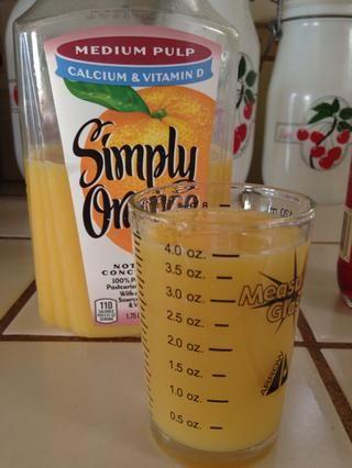 Cuatro onzas de jugo de naranja
