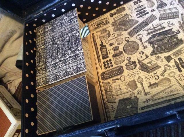 Cubra las cajas con papel decorativo. Añadir cinta washi