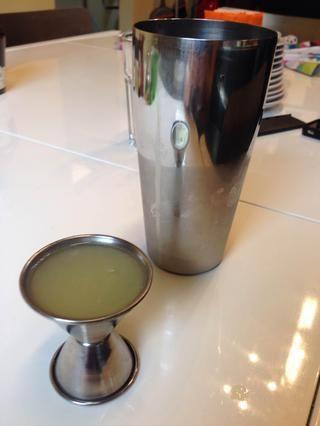 Añadir 1 oz de su jugo de limón fresco.