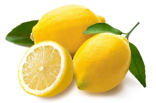 Para una más limonada tarta de usar 6-7 limones. Para un uso más dulce bebida 1 taza de azúcar. También puede omitir las cáscaras de limón en el vaso de una limonada más suave.