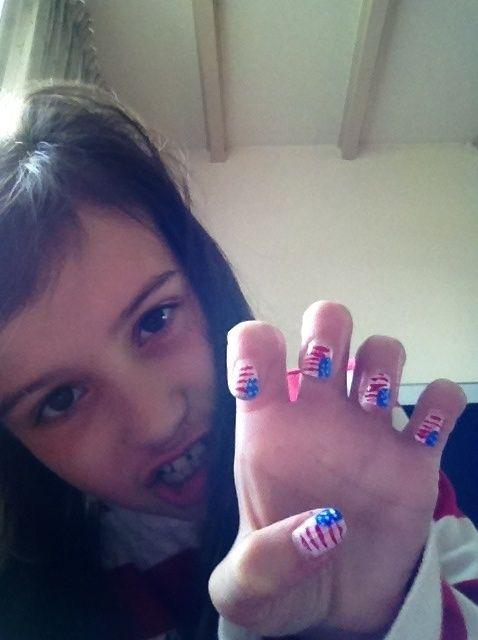 Cómo hacer que la bandera americana Nails