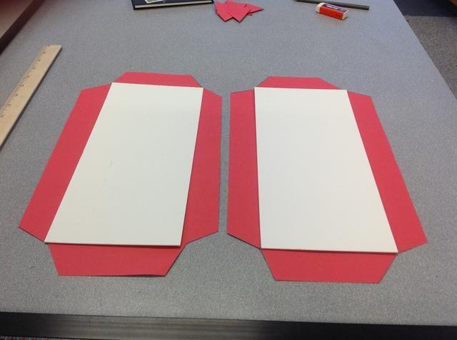 Paso 5: Cortar un segundo patrón de papel de la parte posterior de su libro.