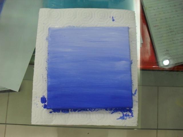 Y una vez que esté satisfecho con lo que el lienzo parece dejar secar, acrílico seca bastante rápido, pero asegúrese de que su completamente seco.