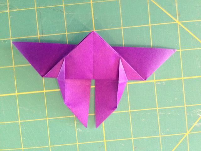 Las esquinas de las alas están aplanadas ahora. ¿Te diste cuenta que gira el modelo? Puntos extra para Gryffindor si lo hizo ...