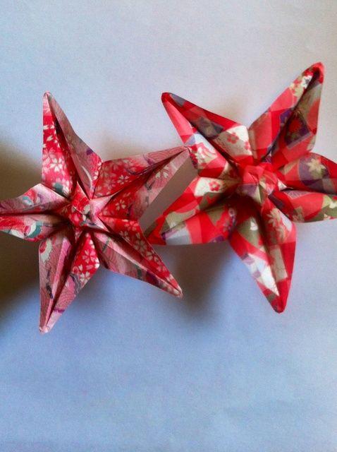 Cómo hacer una flor de la estrella de Origami