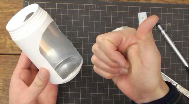 Tenga cuidado de no cortarse los dedos!