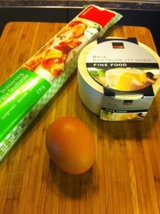 Hojaldre, huevo y queso brie