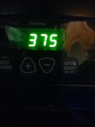Precaliente el horno a 375 grados F.