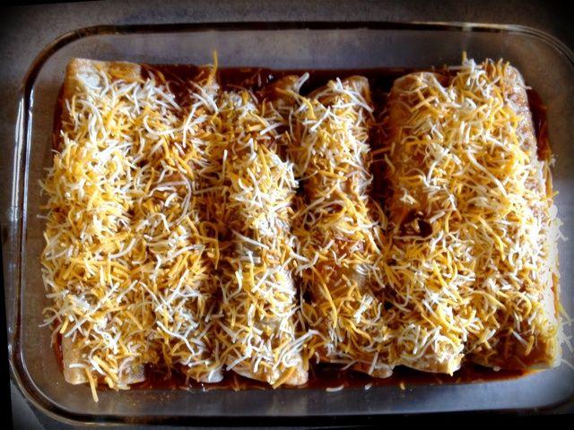 Cubrir con el queso restante