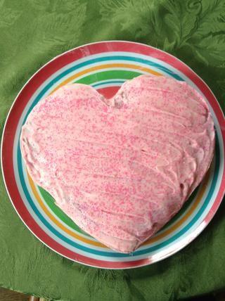 Heladas del pastel. Corté mina en la forma de un corazón de madre's Day.