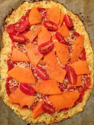 Y añadir la calabaza, tomate y orégano seco.