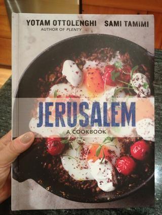 Esta receta es de lo que se está convirtiendo en mi libro de cocina favorito de 2012-- Jerusalén por Yotam Ottolenghi y Sami Tamimi.