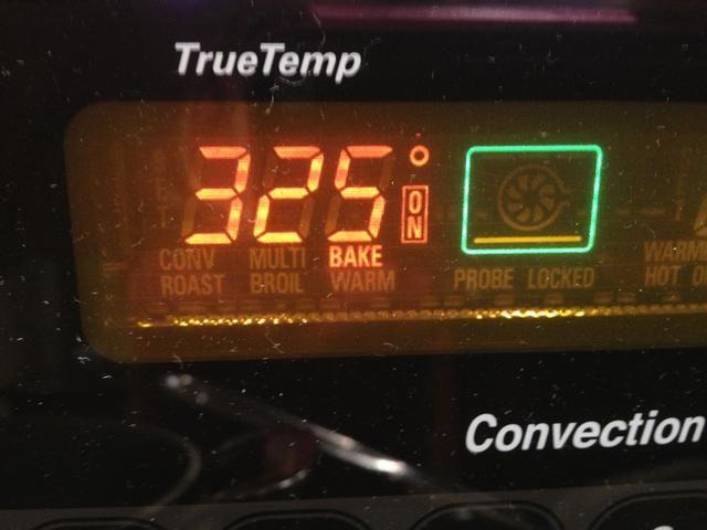 Reduzca la temperatura del horno a 325 grados.
