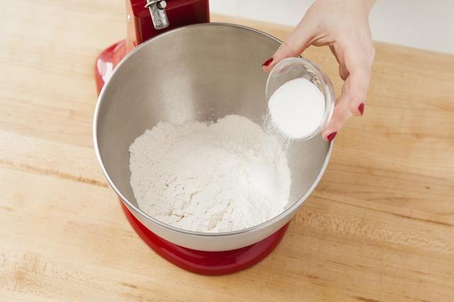 A continuación, agregue el azúcar en.