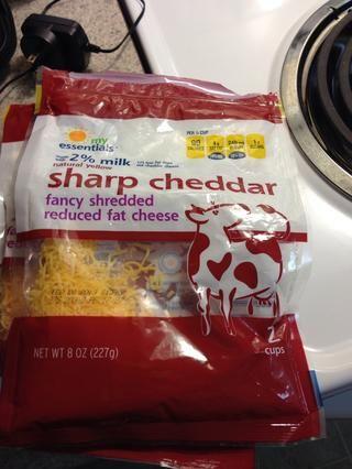 Usted puede usar tanto el queso como mejor le parezca
