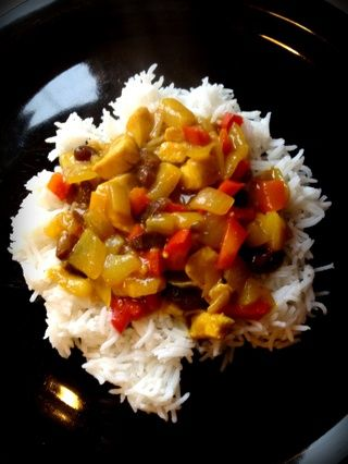 Cubrir con la crema agria, chutney de mango, o lo que quiera en su curry.