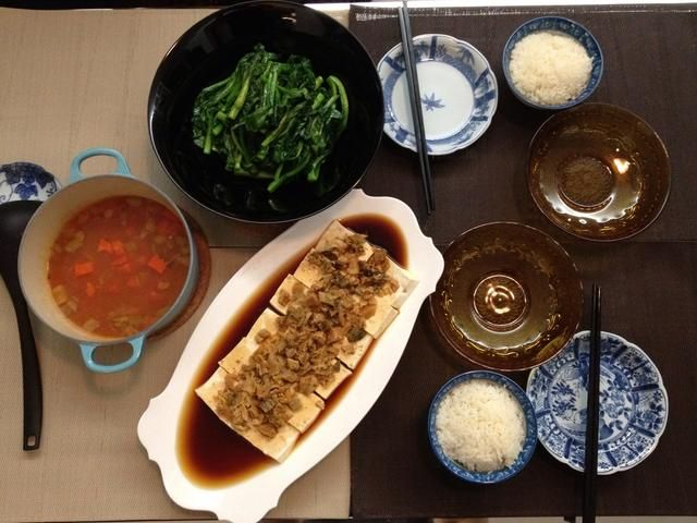 Una comida vegetariana china sana está listo en poco tiempo!