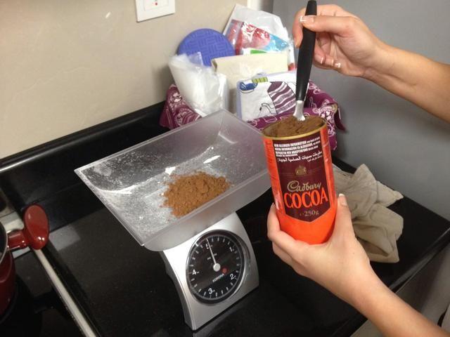 Después de añadir el polvo de cacao.