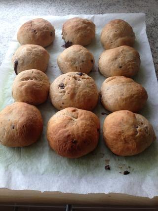 Listo para cortar! A menudo me sirvo a mi pan con mantequilla - que simplemente les hace un poco mejor. Ellos deben consumirse preferentemente en el mismo día que los hacen