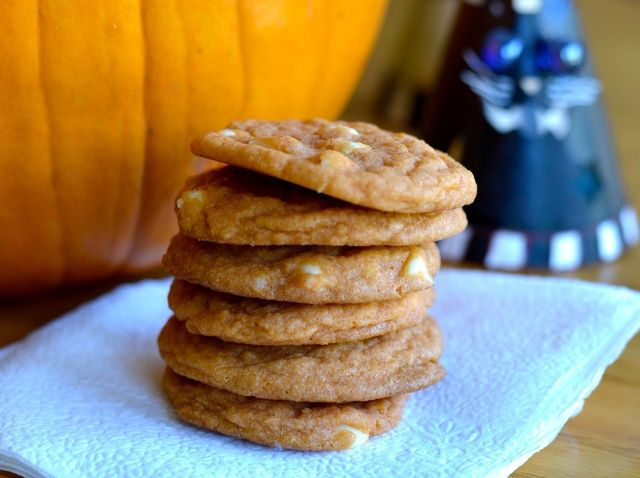 Cómo hacer galletas con trozos de chocolate de Halloween Receta Estilo