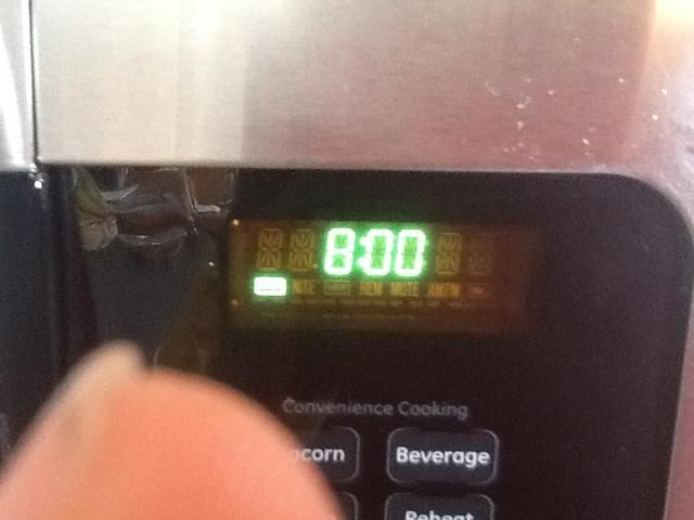Ajuste del temporizador, y hornear durante 8 minutos.