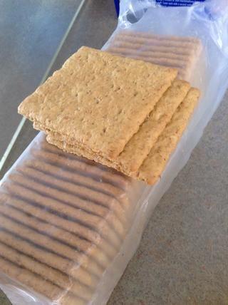 Tome sus 3-5 galletas graham