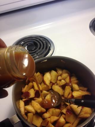 Añadir el caramelo y mezclar