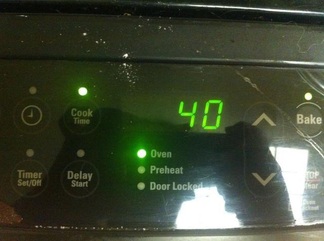 Ajuste el temporizador de 40 minutos y se deja cocer.