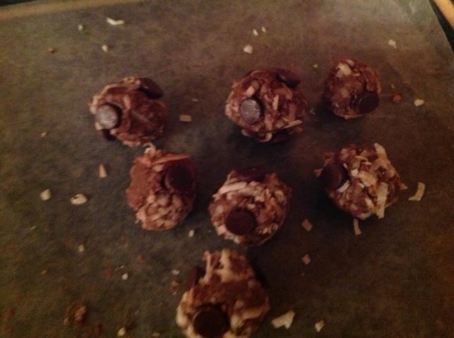 Añadir las virutas de chocolate o chocolate derretido arriba