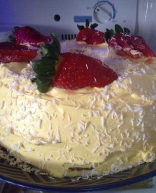 Coloque el pastel en el refrigerador durante por lo menos dos horas