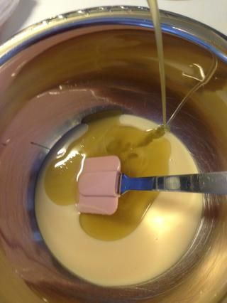 Mezcle todo el líquido y luego los ingredientes secos