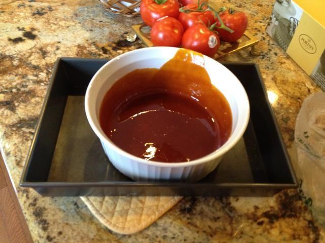 Coloque el plato en una sartén asado