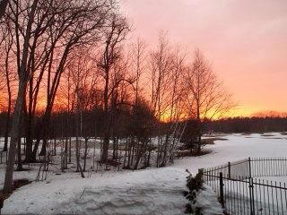 Oh nota! Echa un vistazo a la puesta de sol canadiense :) ISN't it beautiful?