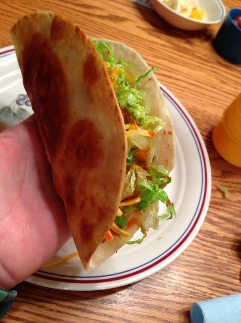 Cómo hacer crujientes frescas Tacos El uso de Tortillas de Harina Receta